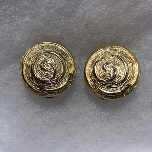 Vintage PAOLO Gold Round Swirl Clip Earrings (H)